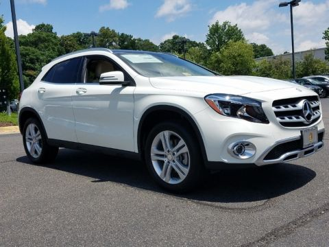 New Mercedes-Benz GLA BASE 4MATIC®